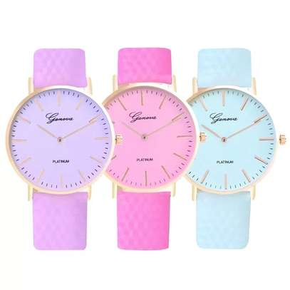 Colour change wrist watch