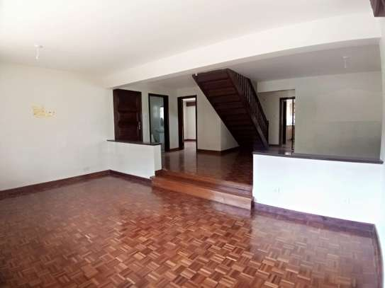 4 bedroom townhouse for rent in Kilimani image 14