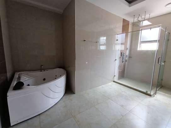 4 bedroom apartment for rent in Kileleshwa image 14