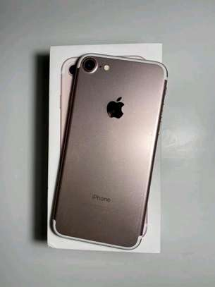 Apple Iphone 7 Gold 256 Gigabytes & Airpods image 1