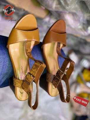 Comfy heels image 3
