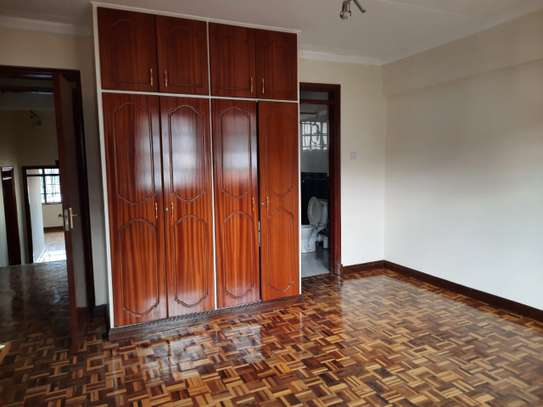 Lovely 3 Bedrooms House To Let in Kileleshwa image 8