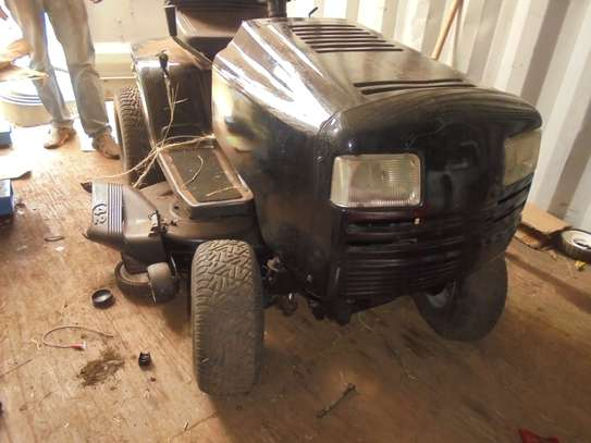 MURRAY Rear-Engine Riding Lawn Mower image 1
