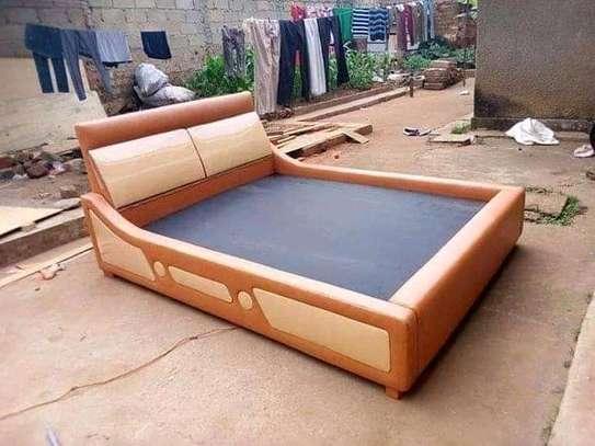 Stylish Modern Quality Kingsize Wave Bed image 1