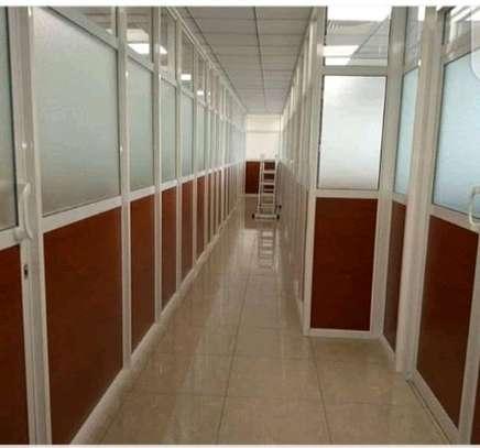 Aluminium partitions image 5
