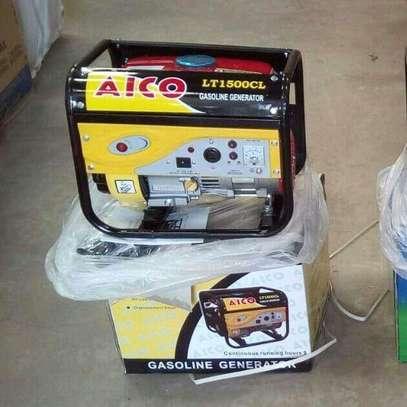 Small portable power generator