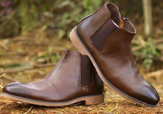 Italian Official Boots and Chelsea Boots image 5