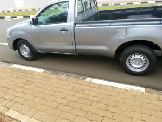 Quick sale Toyota Hilux/year 2015/manual image 1