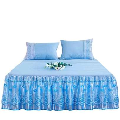 Bedcovers (bedskirts) image 3