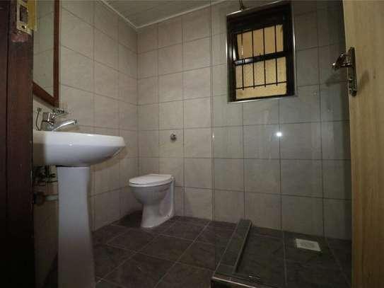 Riverside - Flat & Apartment image 6
