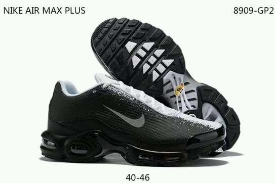 Max plus sneakers image 2