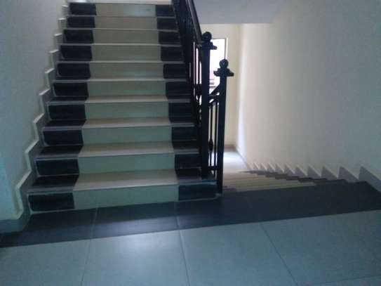2 bedroom apartment for rent in Riara Road image 9