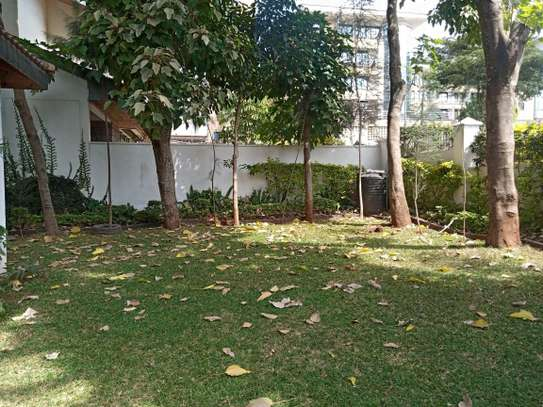 4 bedroom townhouse for rent in Kilimani image 18