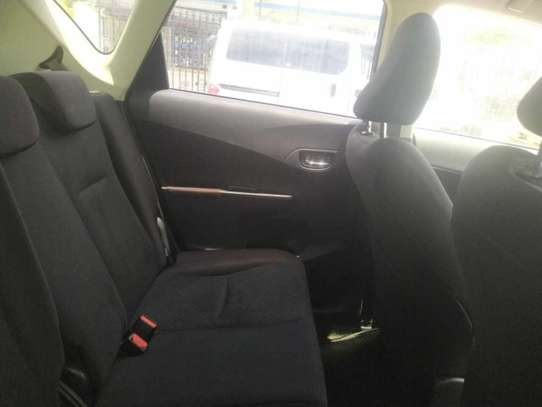 Toyota Ractis image 6