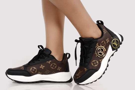 Ladies LV sneaker image 2