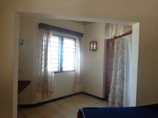 2br furnished beachfront apartment for rent in Nyali. id 2195 image 7