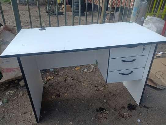 Office desks image 2