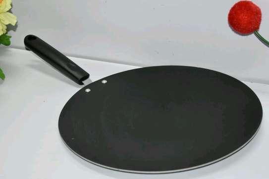 *Flat non-stick chapati pan* image 2