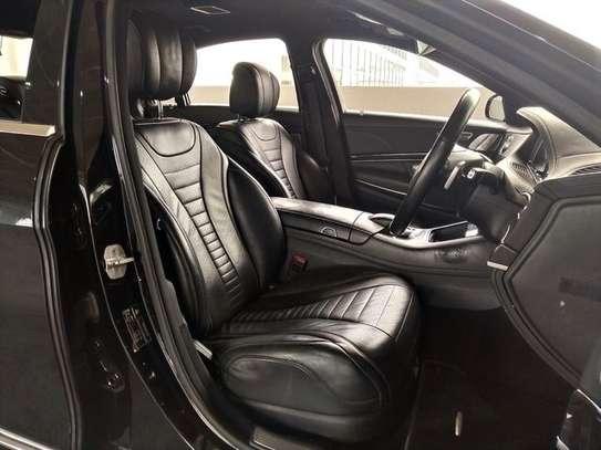Mercedes Benz - S-Class image 10