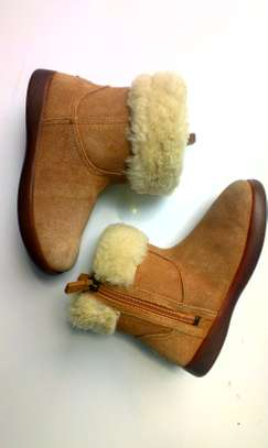 girls fluffy boots image 2