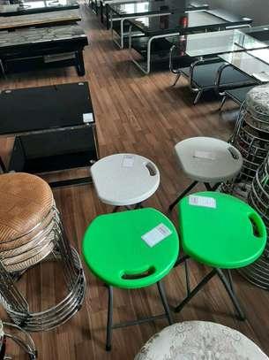 Foldable stool image 1