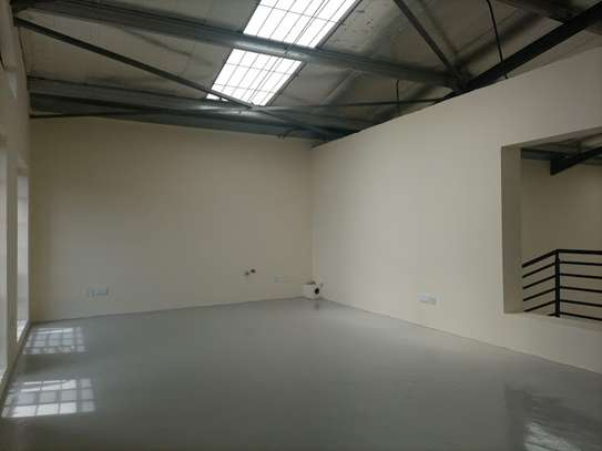 3000 ft² warehouse for rent in Mlolongo image 7