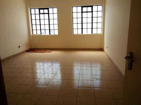 5000 ft² commercial property for rent in Industrial Area image 2