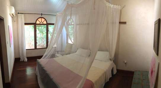 3br villa with two SQ rooms for rent in Vipingo Ridge. Hr18 image 7