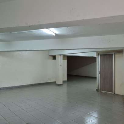 464 m² office for rent in Kilimani image 8
