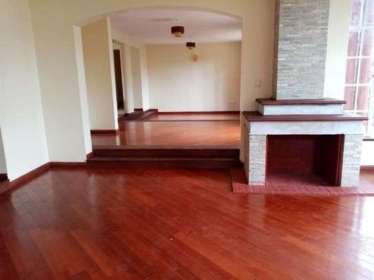 Karen - House image 4