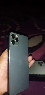 Iphone 11 Pro Max image 3