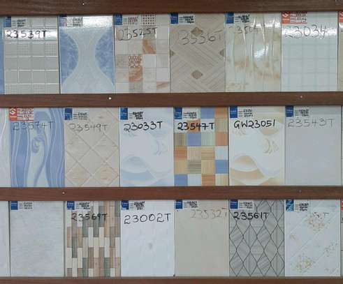 Wall tiles size 200 by 300mm( covers 1.50m²) image 3