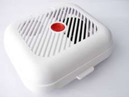 Stand alone smoke detector