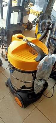 30L Vacuum Cleaner image 2
