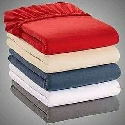 Fitted bedsheets image 1
