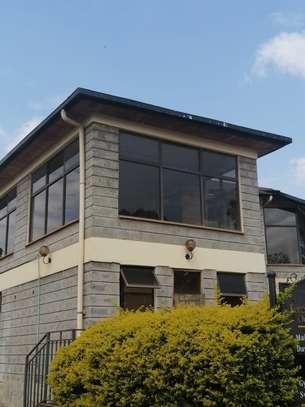 1000 ft² office for rent in Karen image 15