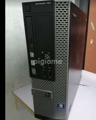 Desktop computer Dell 4GB intel core i5 320GB image 1