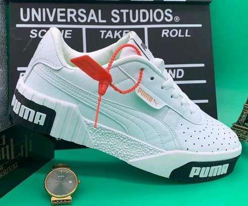 Ladies Puma shoes image 4