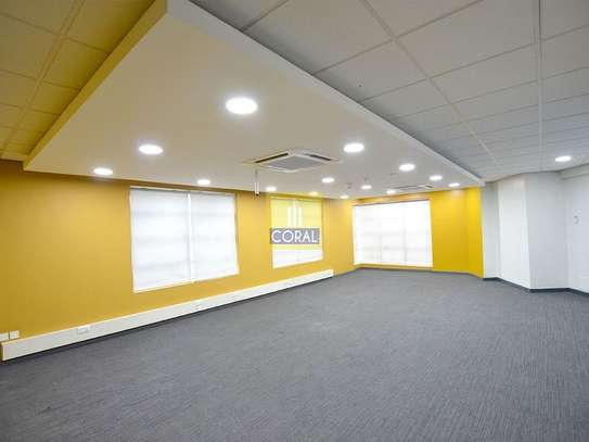 3670 ft² office for rent in Westlands Area image 7