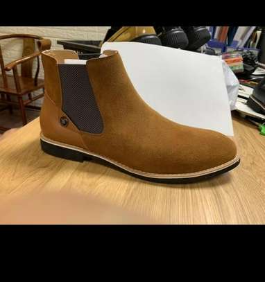 Sued Chelsea boots