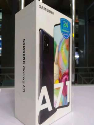 SAMSUNG GALAXY A71 NEW WITH 2 YEARS WARRANTY FOR AFRICA image 3
