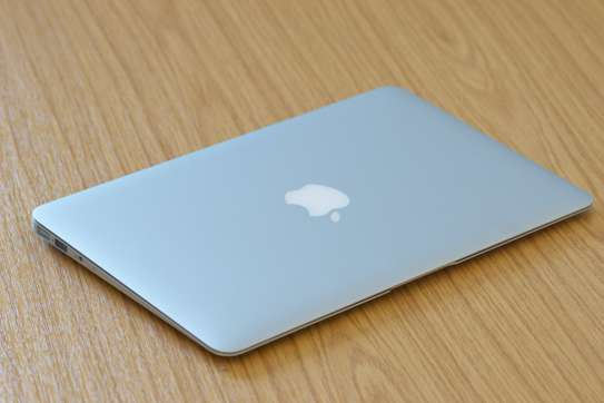 Classy portable macbook air 2015 on offer image 1