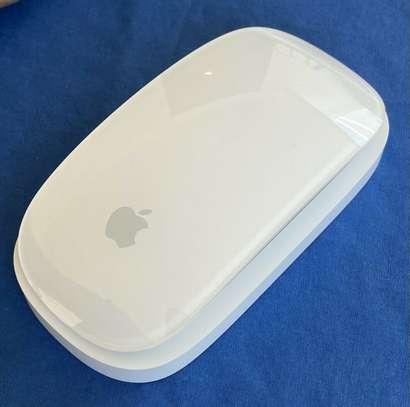 Apple Magic Mouse Model A1296 Bluetooth Wireless image 1