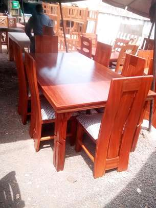 6seater dinning table image 1