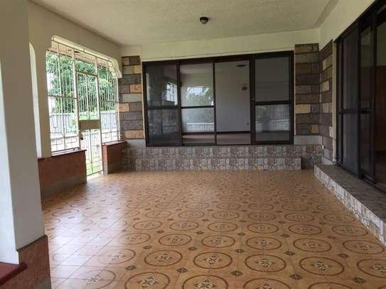 5 bedroom apartment for rent in Nyari image 12