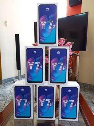 """Huawei Y7p, 6.39"""", 64GB + 4GB RAM (Dual SIM), 4000mAh image 2"""
