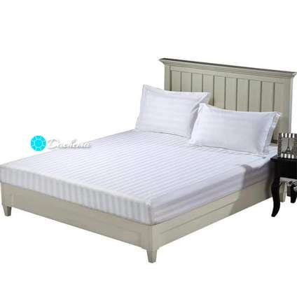 5*6 white striped bed sheets image 1
