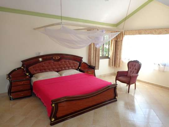 4 br fully furnished house with swimming pool for rent in Nyali. ID1529 image 13