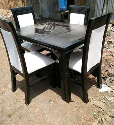 4seater dining table
