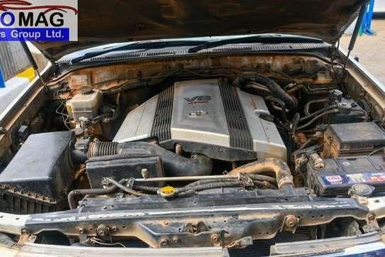 Toyota Land Cruiser image 9